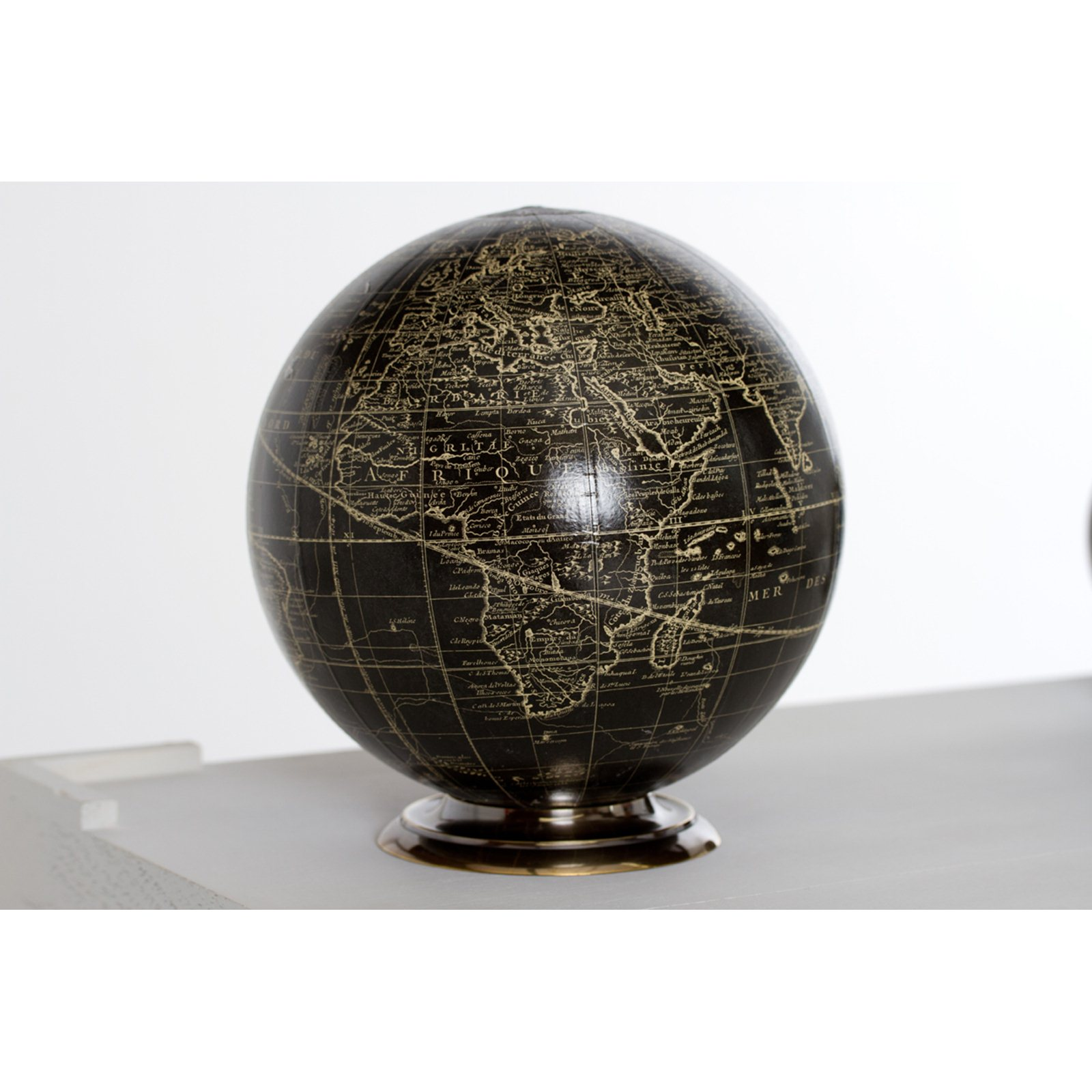 Black Globe On Stand