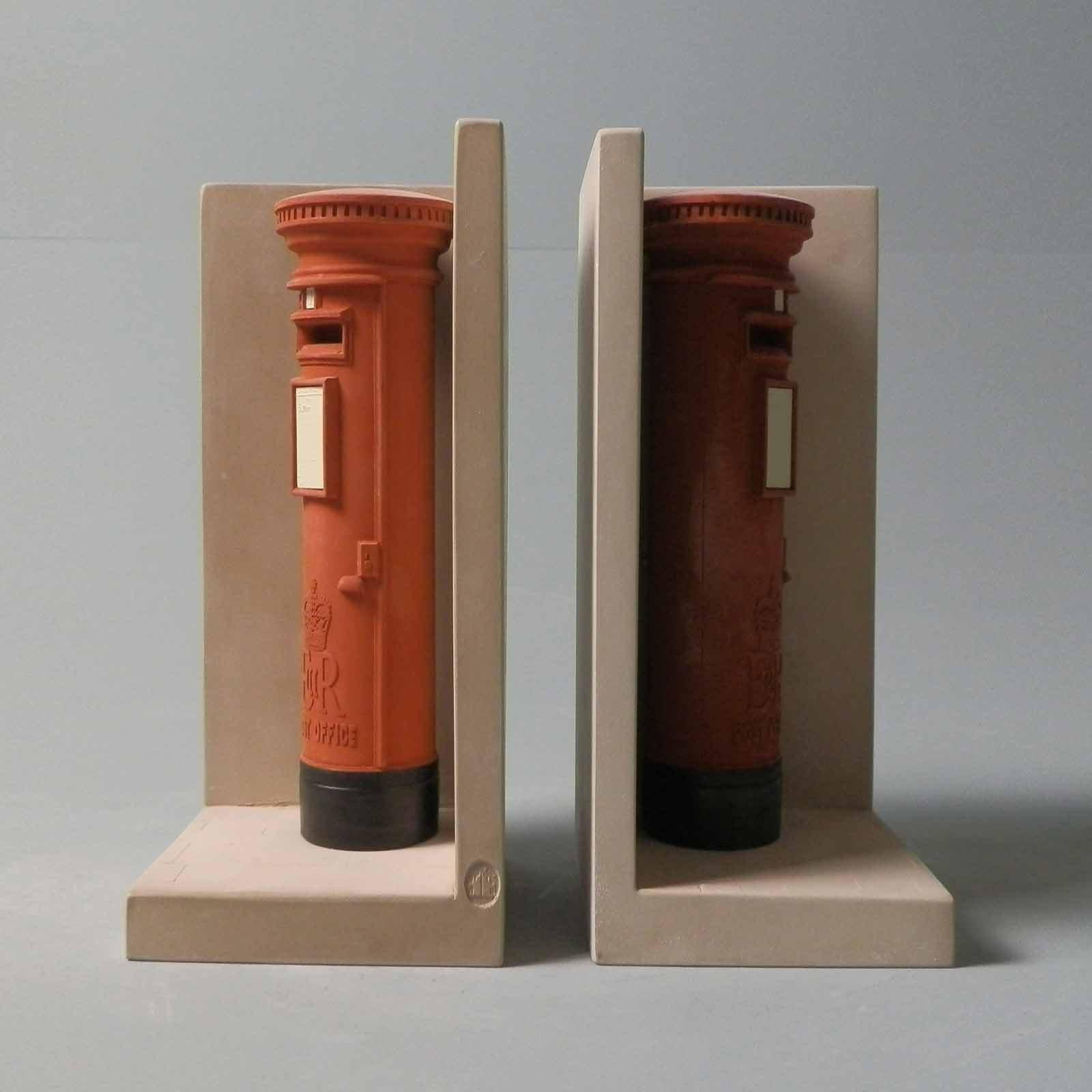Postbox Bookend Model    Image